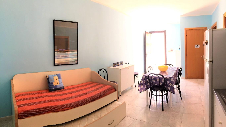 Refoloimmobiliare casa gardenia for Divano 6 metri