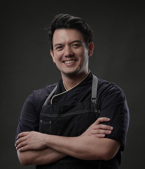 chef rob in blue smiling pilar shoot_edi