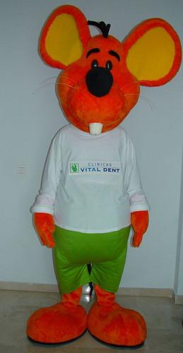 alt=mascota publicitaria Vital dent.JPG