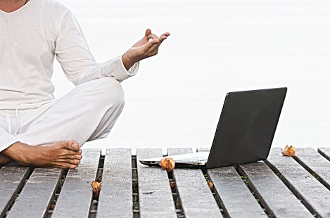 yoga-online-960x635.jpg