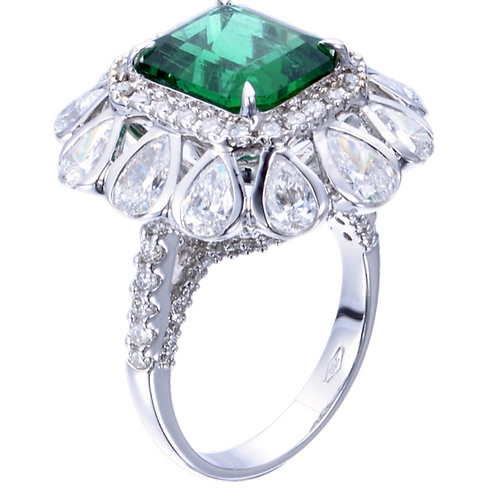 ROYAL EMERALD RING