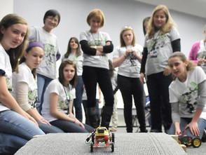 211國際婦女和女孩科學日 聯合國首席資訊技術官鼓勵所有女孩立志成「怪才」