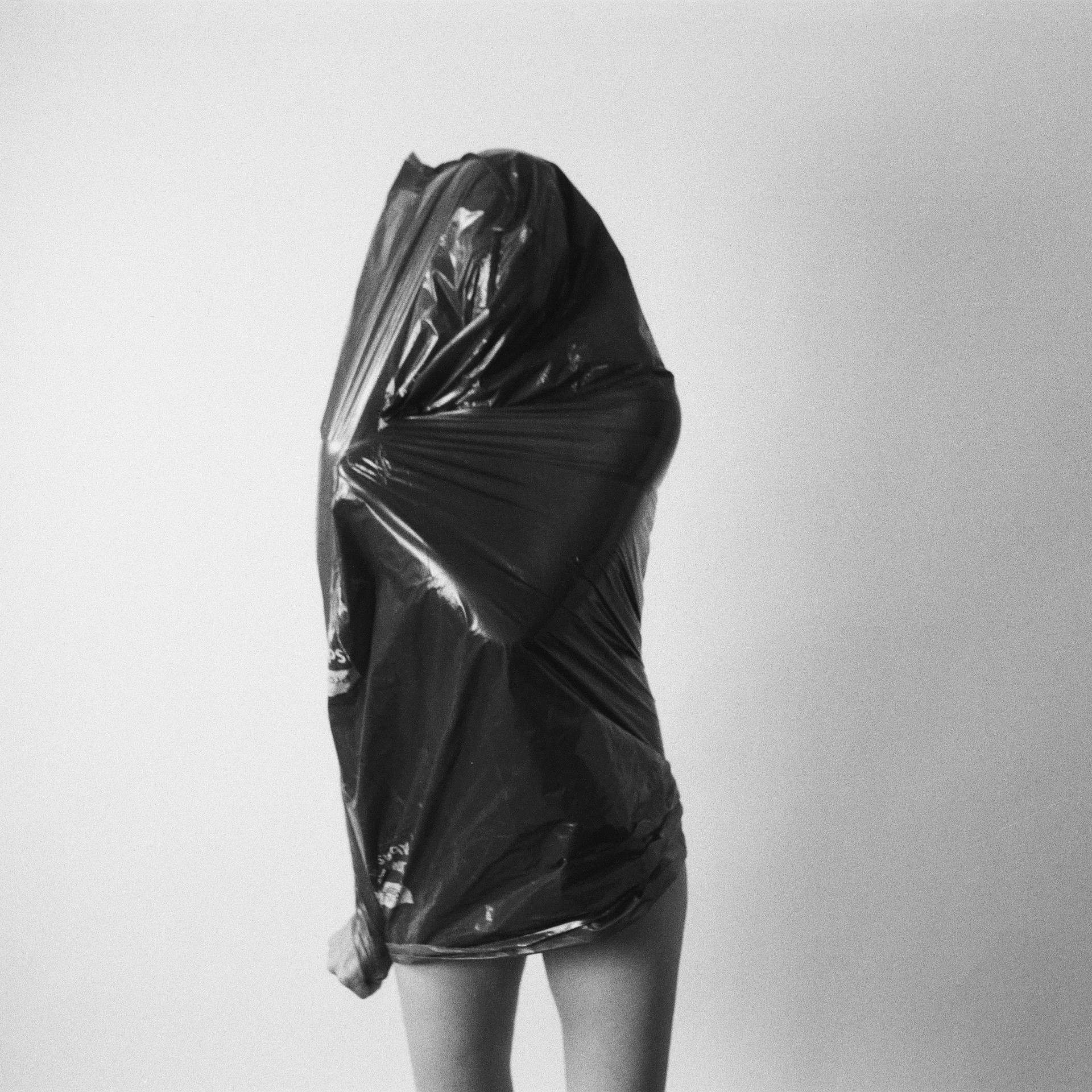 untitled from the series breath. 2020. gelatin silver print. copyright soli kiani