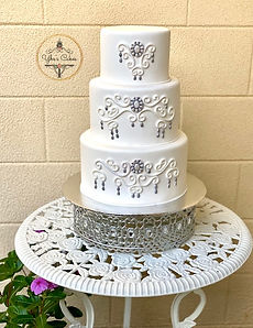 Chandellere Wedding Cake YE.jpeg