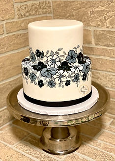Black and gray Flowers Cake YE.jpeg
