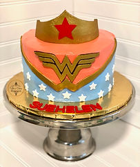 Wonder Woman cake YE.jpeg