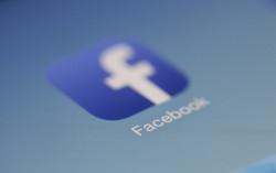 Canva - Facebook Logo