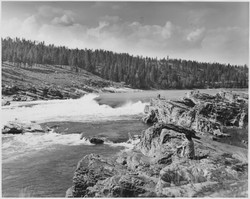 Kettle_Falls,_Columbia_River_-_NARA_-_29