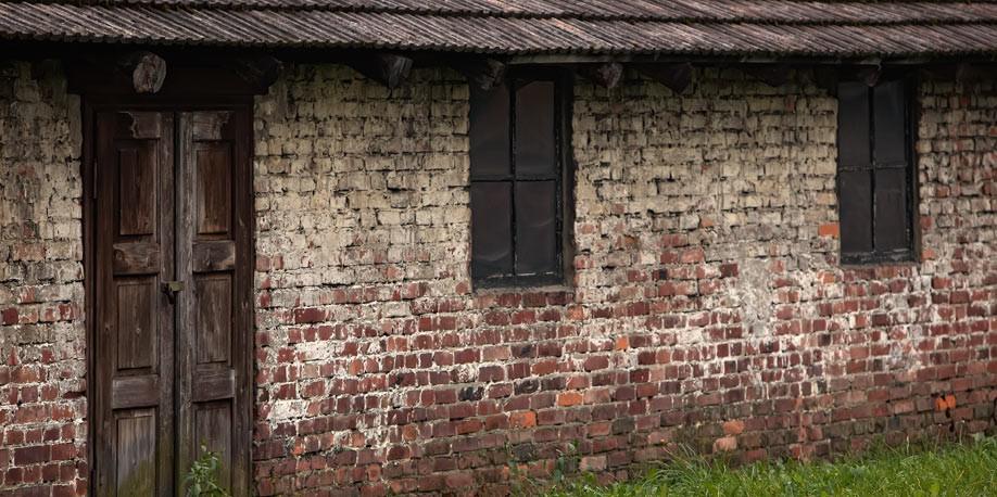 outside-barracks-4.jpg
