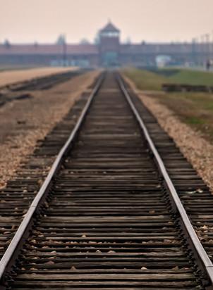 train-tracks-4.jpg