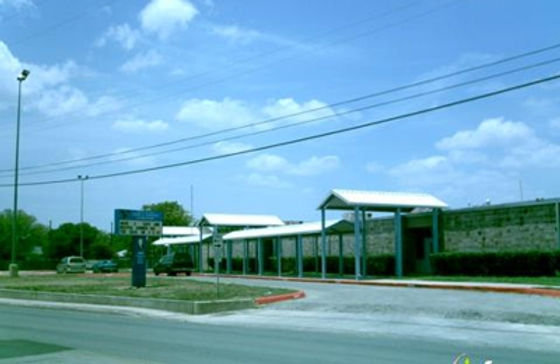 Henry B. González elementary school, the other school library where Josephine worked.
