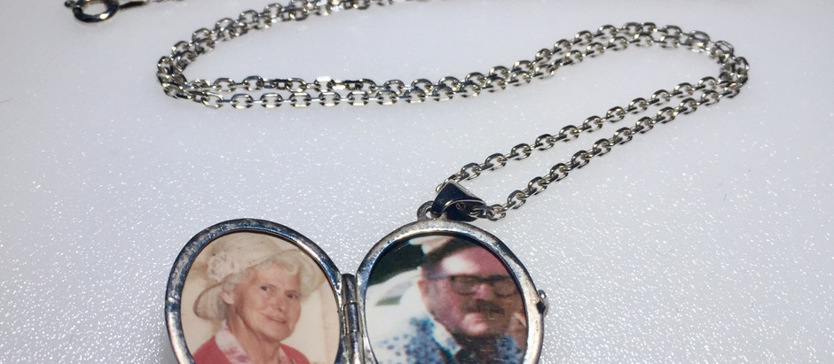 Locket Photos Perfectly Fitted, by Studio 55