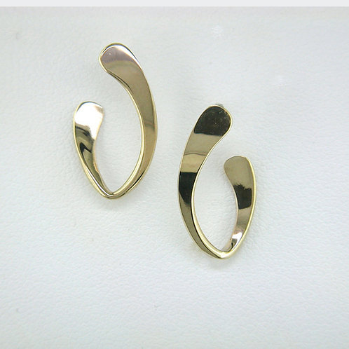 Oval Hoop Earrings - 14kt Gold - Tom Kruskal