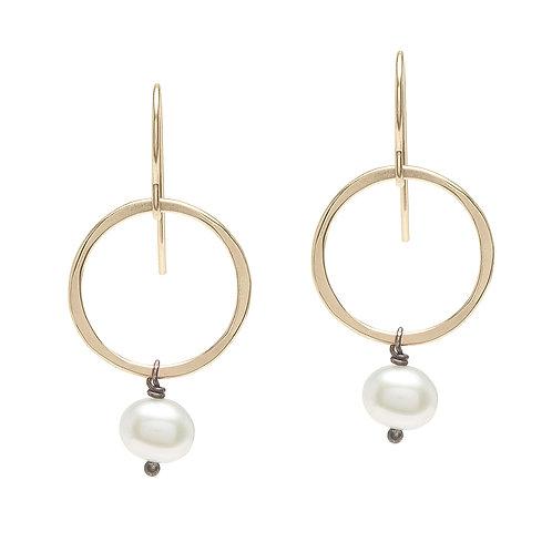 14kt Gold Fill Circle & Pearl Earrings - J&I
