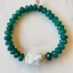 Margo Morrison - Green Onyx & White Baroque Pearl Bracelet