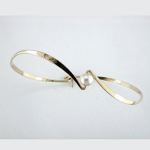 Reverse Curve Bracelet - 14kt Gold & Pearl