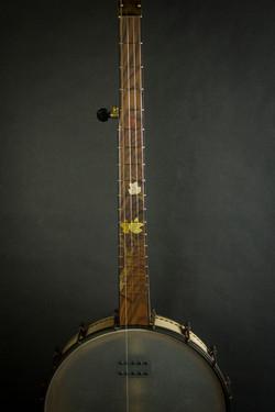 Leaves Banjo Front