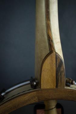Leaves Banjo Heel detail 1