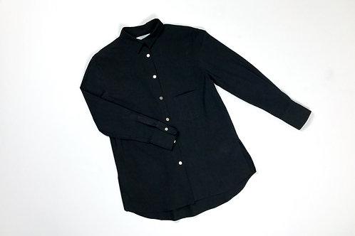 Black Shirt with Slit | Chemise à col Noir avec Fente.
