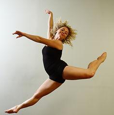 Léda Davies: Actor-Dancer-Circus Artist
