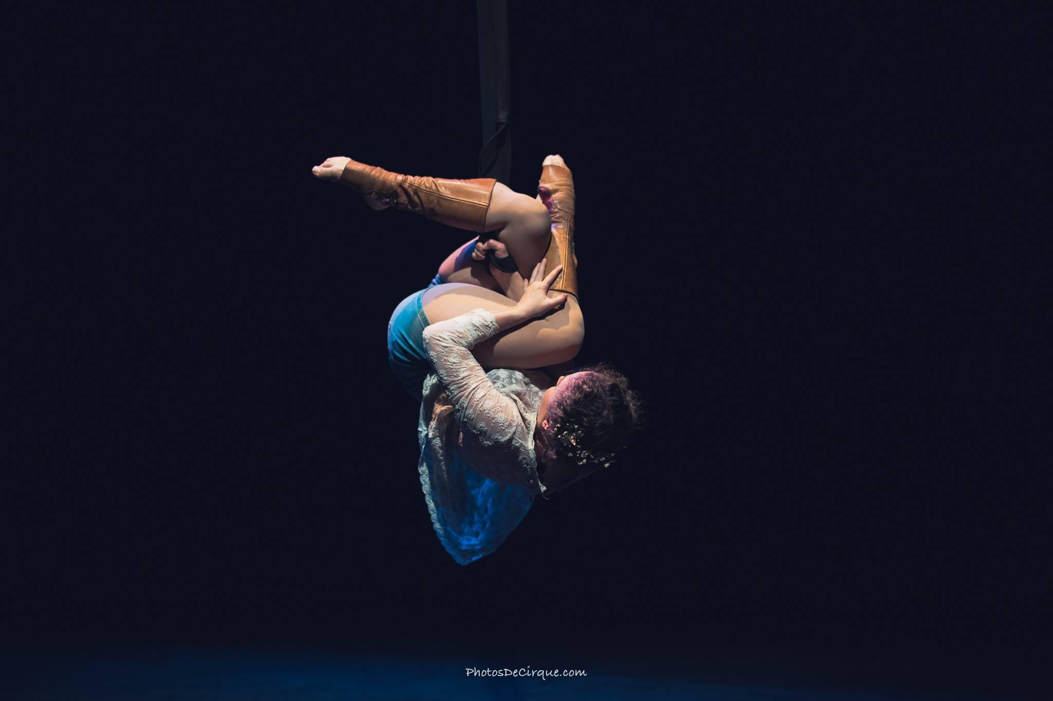 PersephoneBound_7_Leda Davies_PhotoCredit_Jim Mneymneh_aerial_straps_circus_theatre