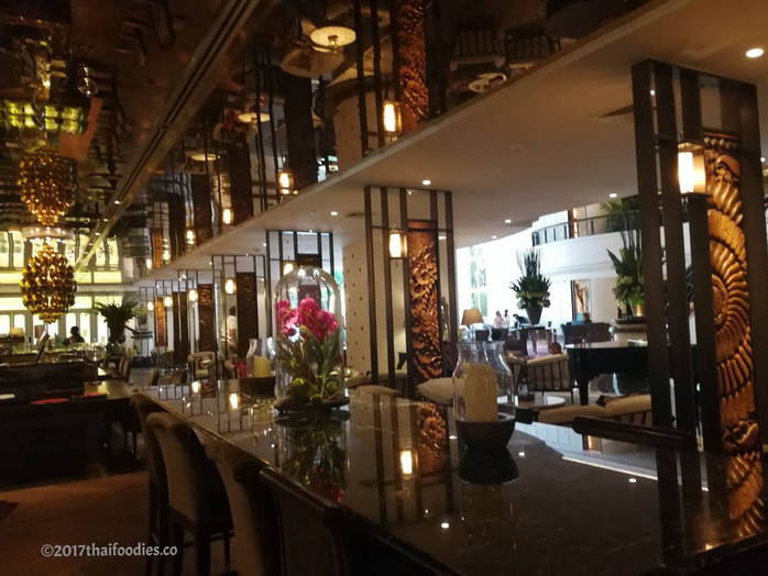 Glaz Bar Bangkok - Timeless Sophistication at Plaza Athenee