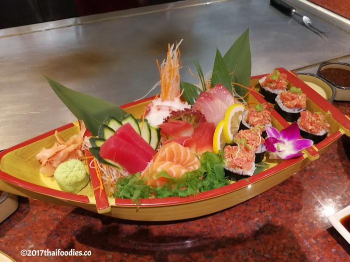 """Benihana at Anantara Riverside - """"Eatertainment"""" at Anantara Bangkok Riverside Resort - We"""