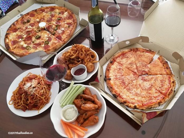 Bangkok's Best Pizza - Pizza Mania!