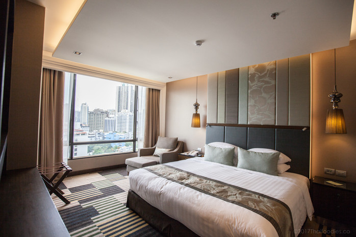 Landmark Bangkok Room Review - 1618 Deluxe Suite - New - August 2017