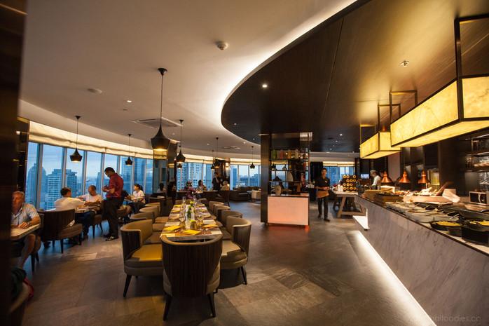 Anantara Sathorn Hotel Bangkok's 360º International Seafood Buffet at Zoom Sky Lounge - Gourmet