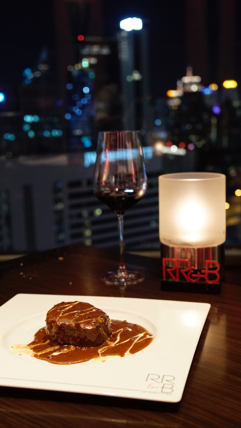 Rib Room and Bar Bangkok | thaifoodies.co