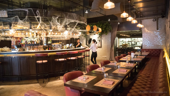 Alex Brasserie - A Relaxing Escape with Great Food in Busy Sukhumvit Soi 11, Bangkok