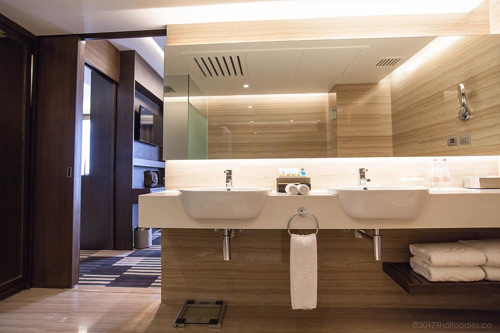Landmark Room Review | thaifoodies.co
