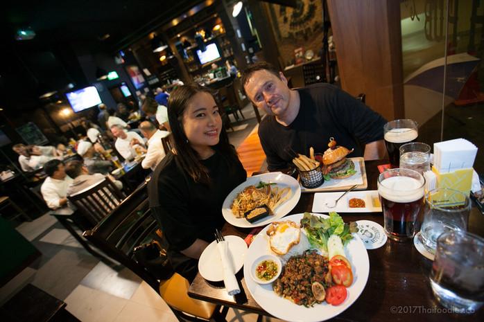 Drunken Leprechaun Sukhumvit Soi 15 - A Charming Irish Pub in Busy Bangkok
