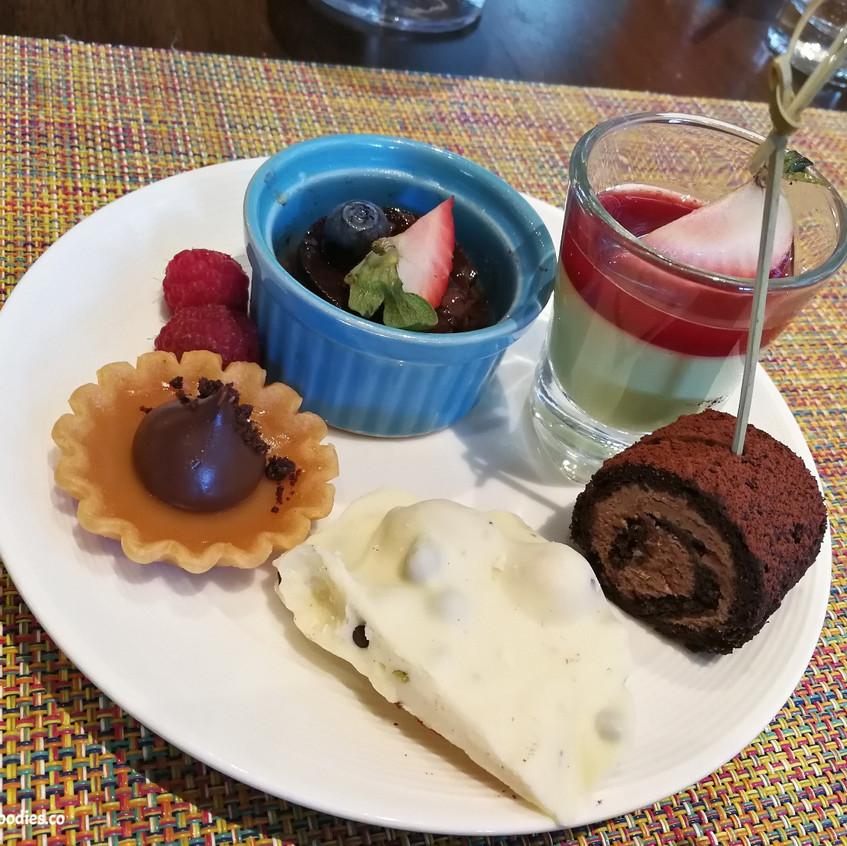 Dee Lite Dessert Selection