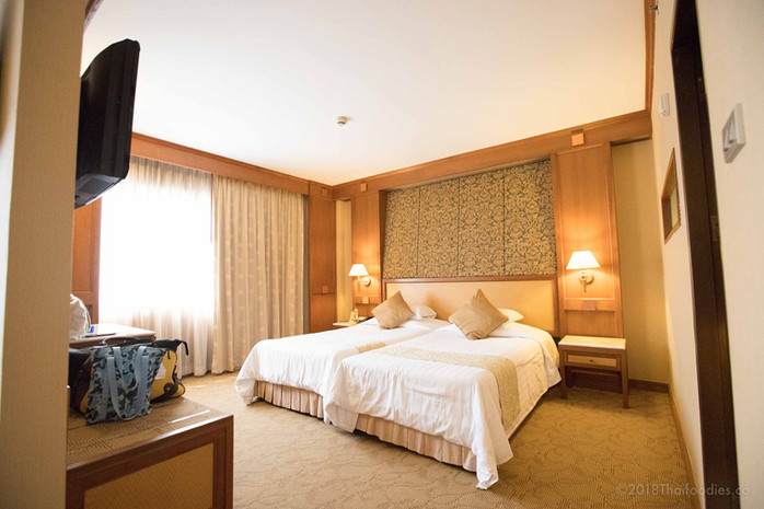 Asia Hotel Bangkok Review - Budget Friendly Rooms, Great Thai Food, Close to BTS, and Shopping!