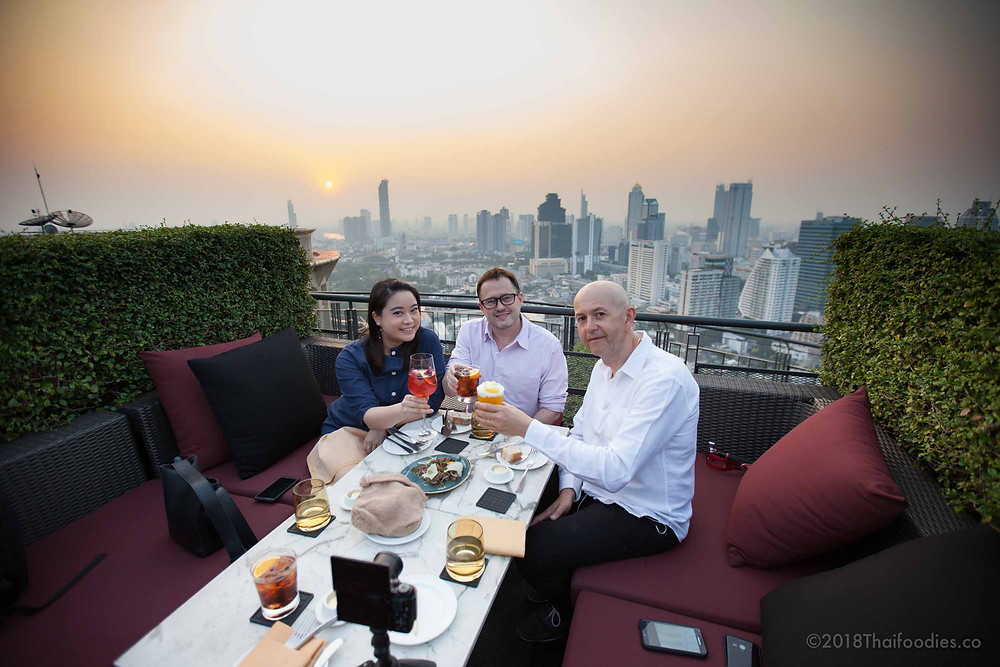 Zoom Sky Bar & Restaurant Review | thaifoodies.co