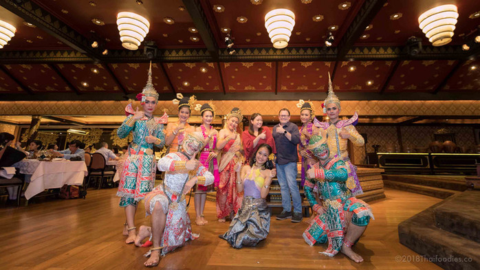 Best Thai Dinner & Dancing Show - Mandarin Oriental Bangkok