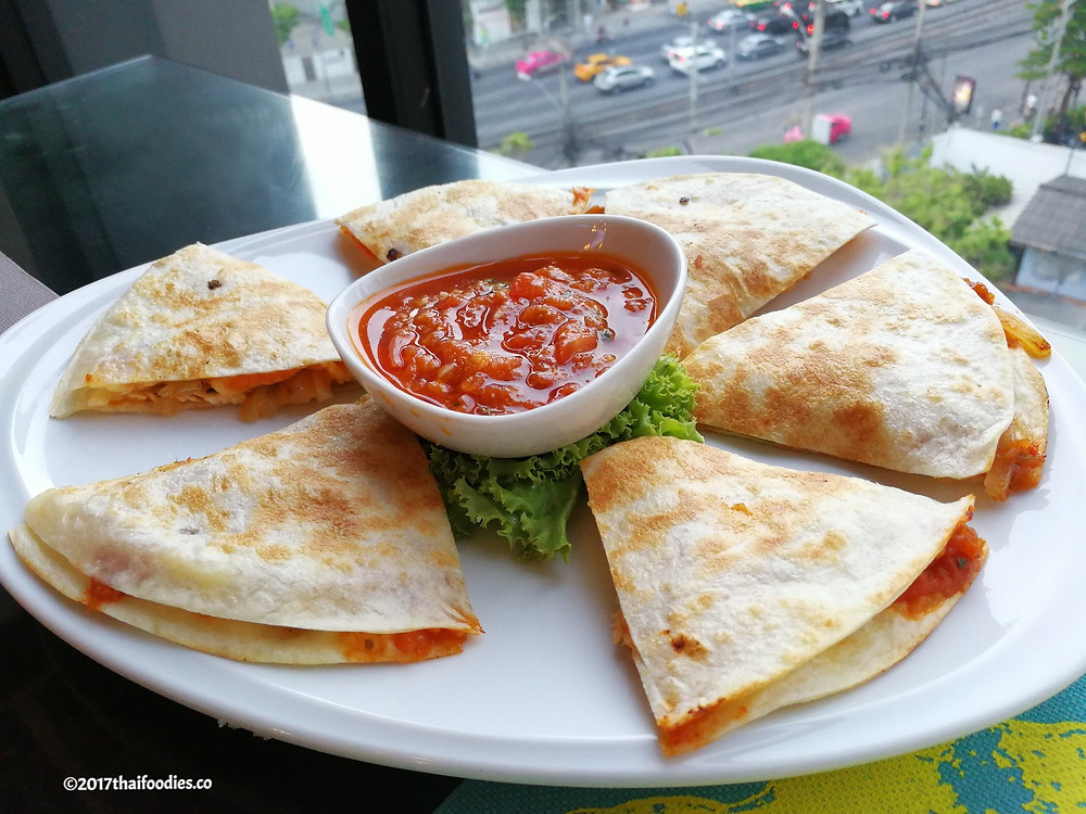 Clover Hotel Asoke Review |thaifoodies.co