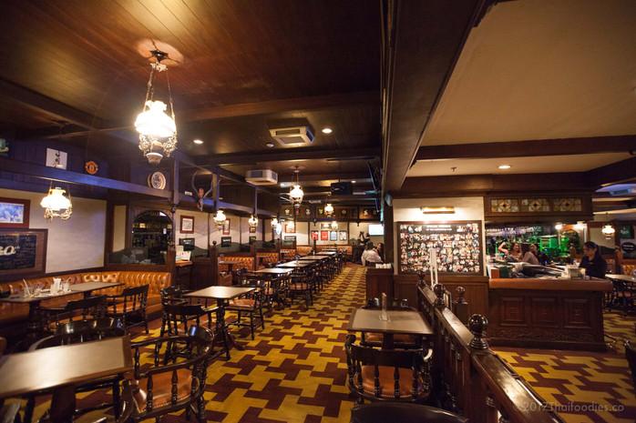AWESOME BRIT PUB - Huntsman Pub at The Landmark Bangkok Hotel