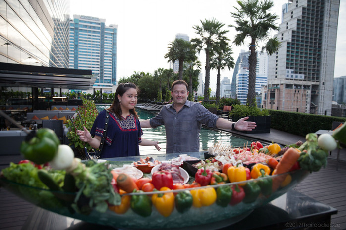 Zeta Cafe at Holiday Inn Bangkok Sukhumvit - Best Value BBQ Buffet in Bangkok