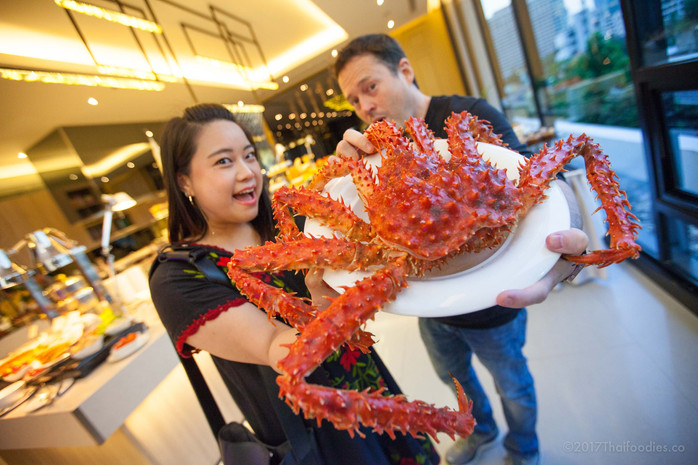 Chatrium Residence Sathorn's Albricias Restaurant - Friday Seafood Buffet Featuring Alaskan King