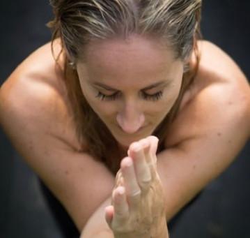 """Pourquoi je me suis mise au """"Yoga de la Femme"""" ou """"Énergie Féminine""""?"""