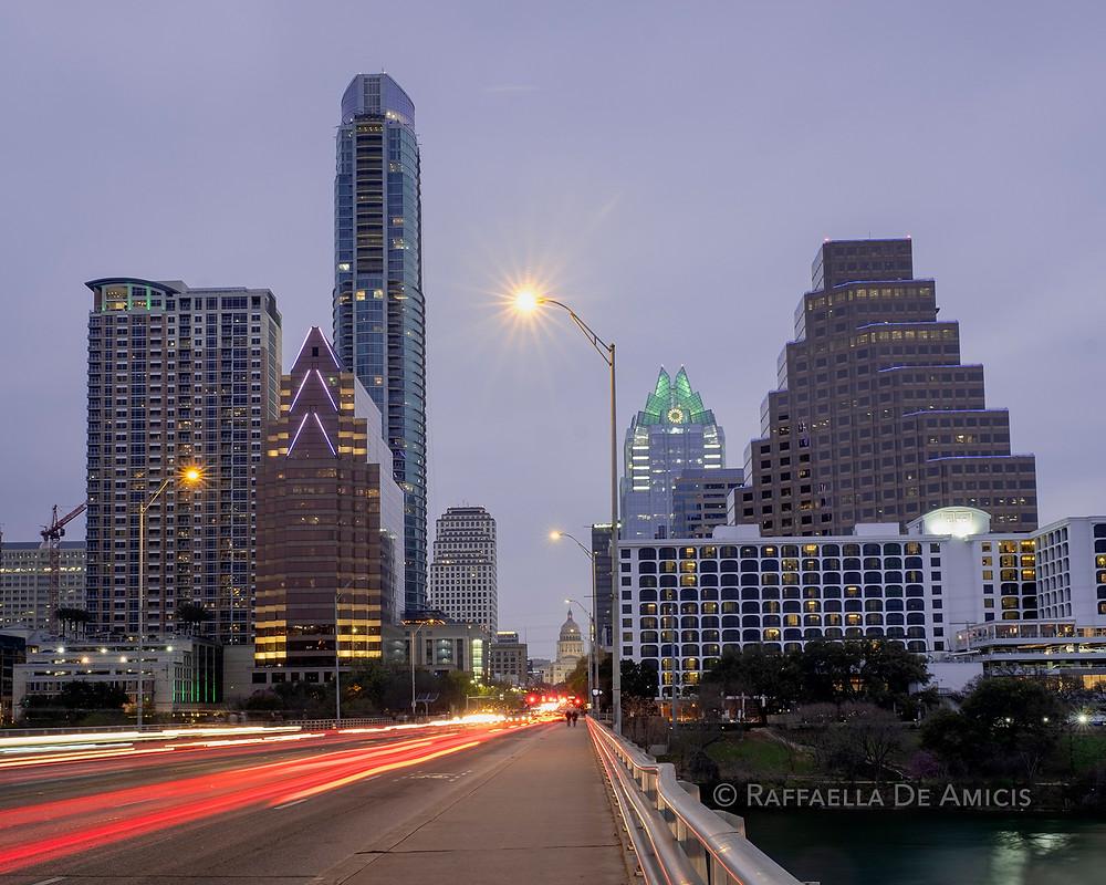 congress avenue bridge in austin texas at dusk