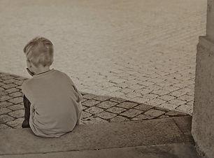 lonely-604086_1920-670x500_edited.jpg