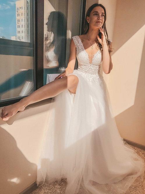 Свадебное платье Алиса с разрезом на ножке