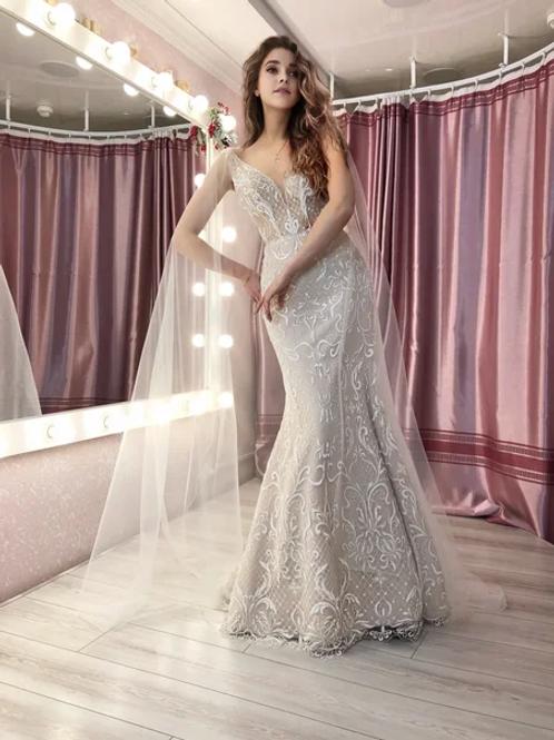 Свадебное платье рыбка Латте