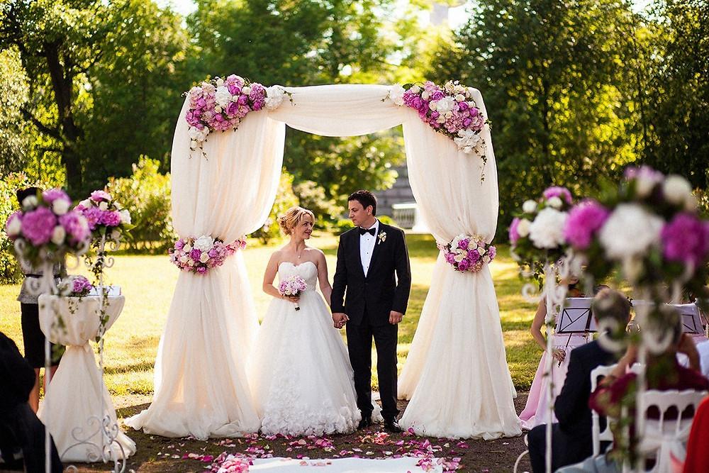 Свадебная регистрация на природе