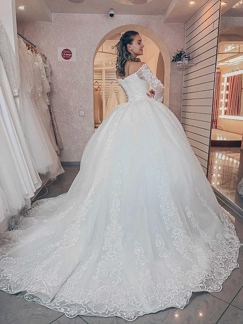 роскошное свадебное платье со светоотражающим кружевом Тиара