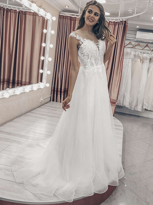 свадебное платье  со шлейфом Анастейша